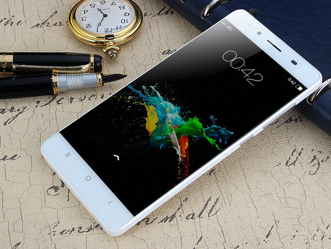 """Mini Android Smartphone High Resolution Screen MTK6572M 5.0"""" TN(854*480)  LCD 4G Mobile Cell white"""