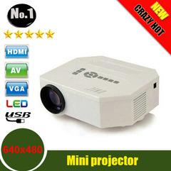UNIC UC30 HD mini LED projector white