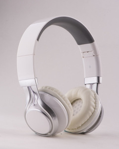 EF-E6 Adjustable Headphone. Over Ear Headset with Extremely Soft Ear Pad, Noise Cancelling Earphones white
