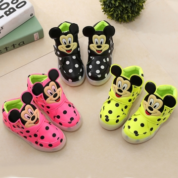 Hot Fahison Breathable LED Light Up Children Shoes Soft-soled Flat Girl Shoes Boy Anti-skid Sneakers black 23