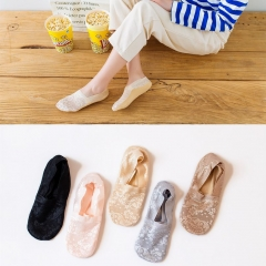 RONI 5 Pairs  2018 Lady deep mouth bamboo fiber socks girl fashion lace socks Random all code