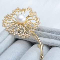 RONI Simple atmosphere romantic dandelion snowflake zircon brooch natural freshwater Pearl brooch Gold all code