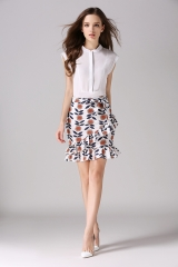Oblique wave side bow skirt white S