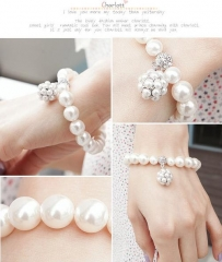 Beautiful  lovely new type bracelet pearl diamond bracelet as the picture one size