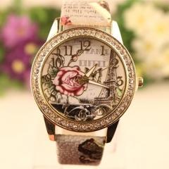New Women Watch Fashion Fashion Casual Bracelet Quartz Analog Lady Watch white