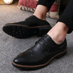 2017 Vintage Leather Men Dress Shoes Business Formal Brogue Pointed Toe Carved Oxfords Wedding Shoes black 39