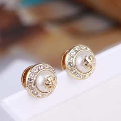 1Pair New Fashion Faux Pearl Stud Earrings gold normal