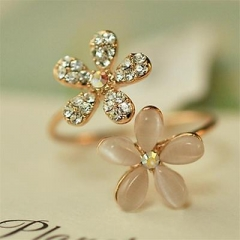Fancy Women Girl Flower Shaped Gold Plated Crystal Rhinestone Ring Adjustable ES AS Picture One size