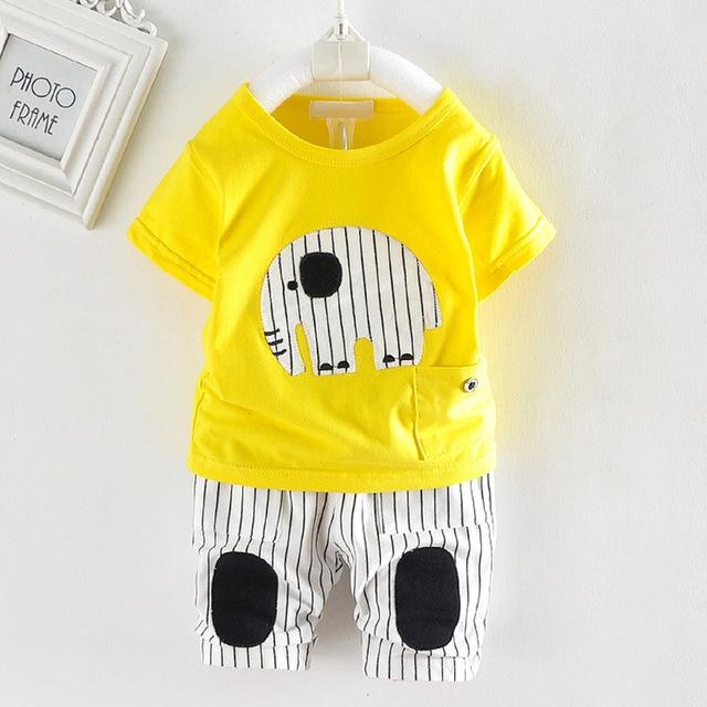 ca366c66289ed 2018 New Hot kids cute cartoon clothes sets boys&girls short sleeve t-shirt  + pants sport sets 2 pcs yellow s