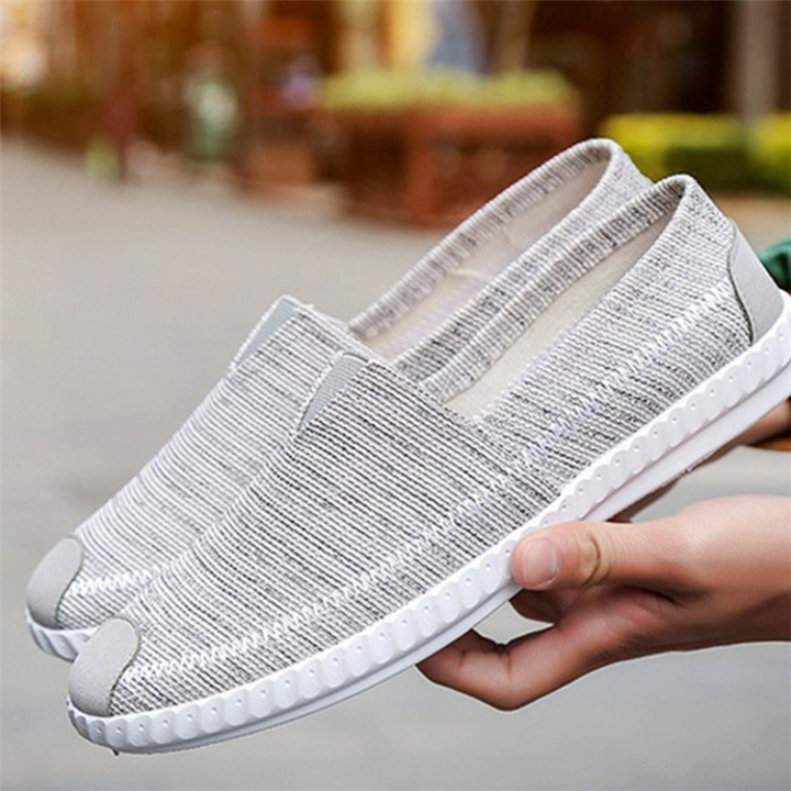 Fashion Men Breathable and Recreational Low Upper Shoes Board Shoes Men Cloth Shoes Men Canvas Shoes light grey 39