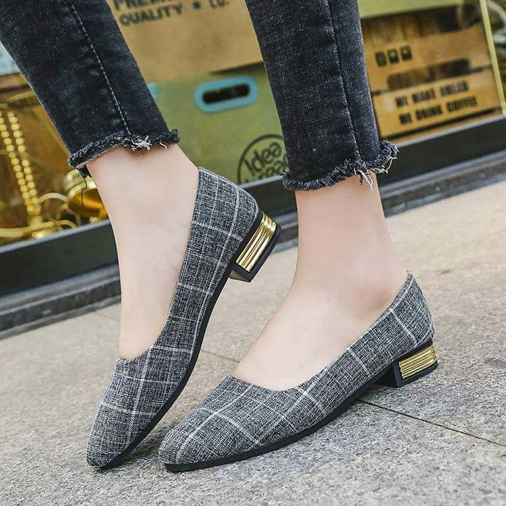 1 Pair Lattice Shallow Mouth Pointed Low Heel Shoes for Women Fashion Ladies Office Shoes grey 35
