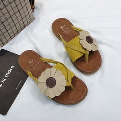 New 2019 summer Korean version of the soft bottom versatile flip-flops flip-flops flower beach women yellow 35