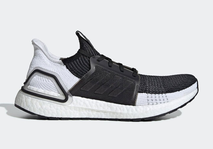 Adidas Adidas Ultra Boost 5.0 men and women running shoes super elastic black and white casual shoes 01 39