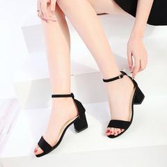 Sandals for summer 2019 new kitten heels with chunky black stud toe strap Roman heels black 35