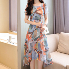 Summer 2019 new women's chiffon dresses are stylish, slim and slim with floral prints Graph coloring M