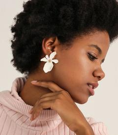 Design sense flower earrings accessories trendy  temperament European earring 7color WHITE one size