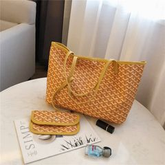 2019Fashion women's handbag lady Ystriped single shoulder bag PU bag high quality large capacity bag yellow 46X16X25cm