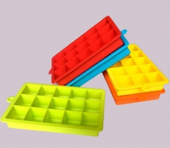 DIY Creative Silicone Ice Cube Tray Square Shape Mold Fruit Ice Cream Maker Bar Kitchen Accessories Random color as picture