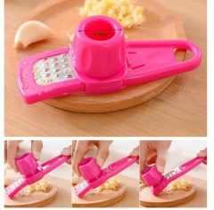 Candy Color Garlic Press Multi-functional Grinding Garlic Mini Ginger  Grater Planer Slicer Cutter green as picture