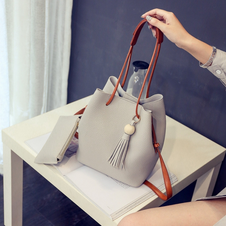 New Bucket Bag Handbags Fashion Tassels Portable Diagonal Shoulder Bag Grey 22 * 25 * 16cm