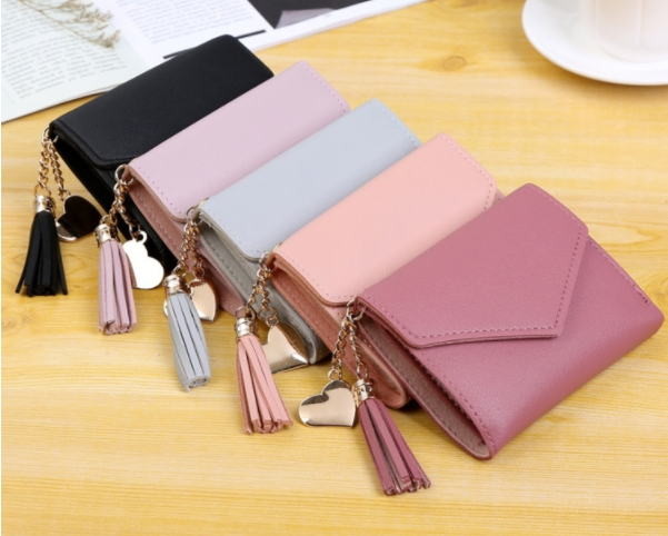 Apply to gender:female The material:The PU leather Wallet to fold number:3 fold
