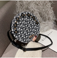 Korean version of fresh rivet lace flower autumn and winter new fashion cute single shoulder bag black 1