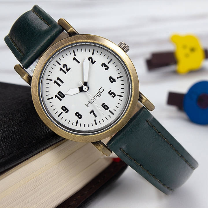 Hot Korean version of the trend of primary school children's watches children's watches women's belt Green (small plate) one size