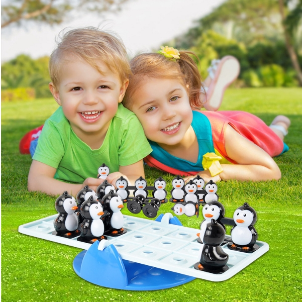 Balance the penguin seesaw toys children educational board games Parent-child interactive games as shown in figure as shown in figure