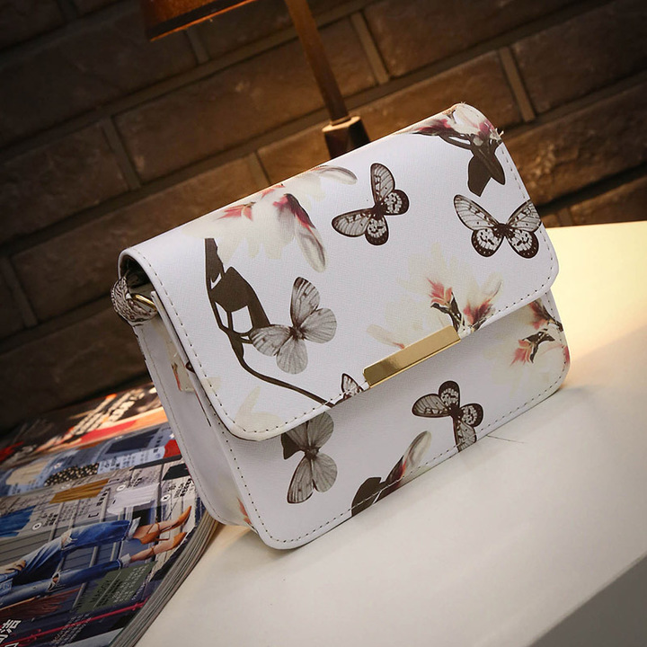 Women Floral leather Shoulder Bag Satchel Handbag Retro Messenger Bag Low-price Crazy Purchase White 19*15*6CM