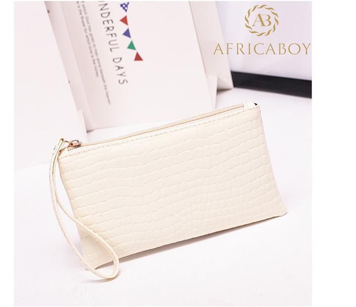 European and American fashion ladies handbag Pu pocket purse handbag crocodile pattern bag Rice white 19*11*1.5cm