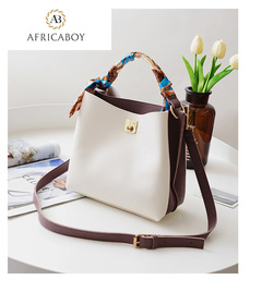 New fashionable European and American handbags with shoulder strap white 22*23*9cm