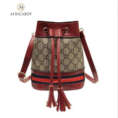 Drawing rope  bag recreational fringed single shoulder inclined bag woman handbag red 21*21*11cm