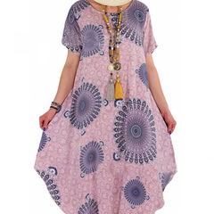 The new plus-size summer 2019 dress features a loose mid-length peacock-flower dress pink S