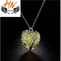 HN-1 Piece/Set New Glowing heart pierced Luminous Alloy Necklaces Pendant Women Jewellery Gift green one size