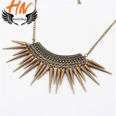 HN-1 Piece/Set New Exaggerated rivet triangular hammer Alloy Necklaces Pendant Women Jewellery Gift Bronze one size