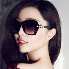 Fashion Sunglasses Sunshade Big Frame Personality Elegant Retro Sunglasses for Women Black