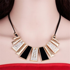 New Alloy Necklace Fashion Exaggerated Sheet Necklace Choker For Women Jewelry Accessories WNK001 Black one size