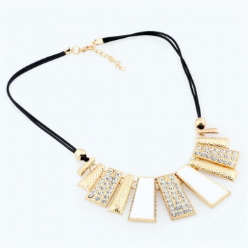 New Alloy Necklace Fashion Exaggerated Sheet Necklace Choker For Women Jewelry Accessories WNK001 White one size